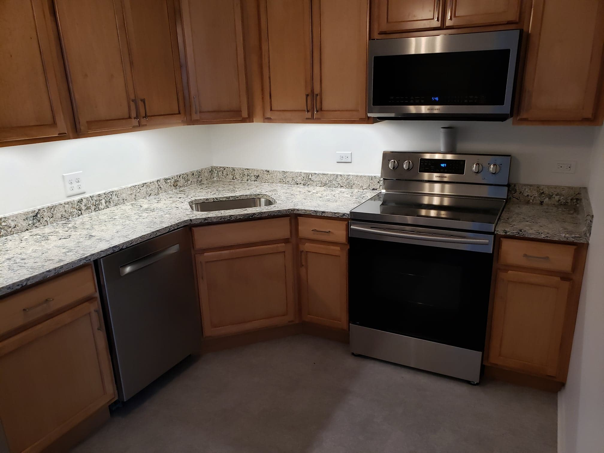 Quartz Countertop with Corner Sink