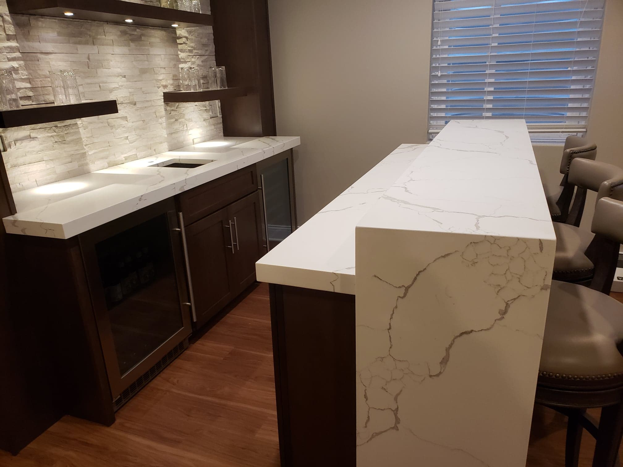 Quartz Bar Countertop With Laminated Edge